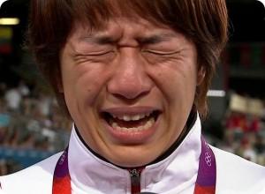 浜口京子 涙が止まらない吉田沙保里の引退会見動画はこちら